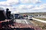 Navasfrias - Vuelca un camión con despojos de cerdos y animales muertos a la altura de Ciudad Rodrigo
